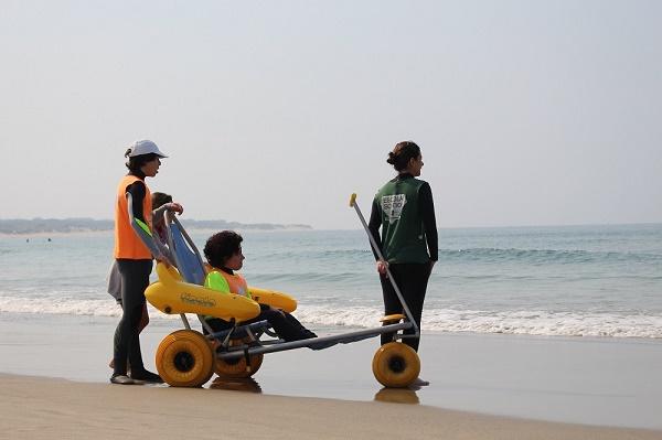 """Surf Clube de Viana recebe 1º """"Acampamento de Surf Adaptado para Pessoas com Deficiência"""" da Europa"""