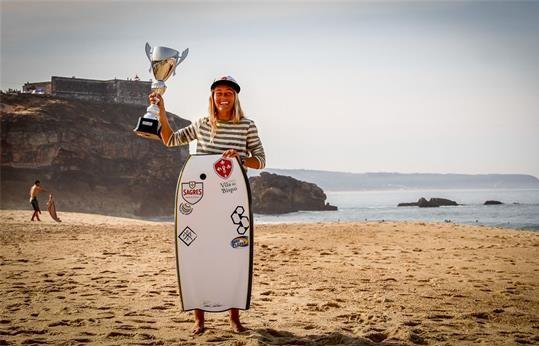 Joana Schenker é Campeã Mundial de Bodyboard 2017