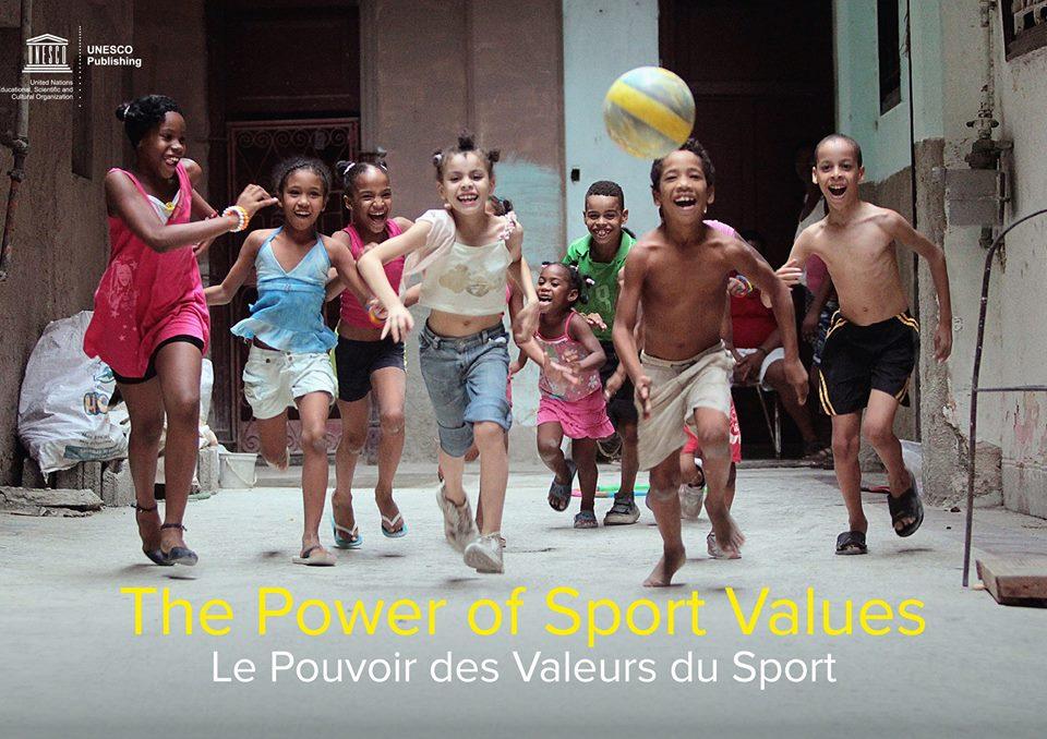 """""""O desporto traz-nos valores positivos e torna possível promover uma cultura de diálogo através das fronteiras"""""""